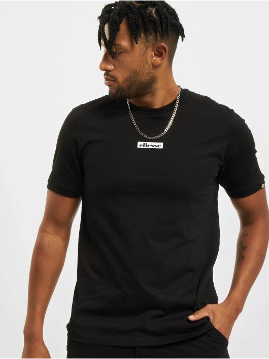 Ellesse T-skjorter Fahie svart