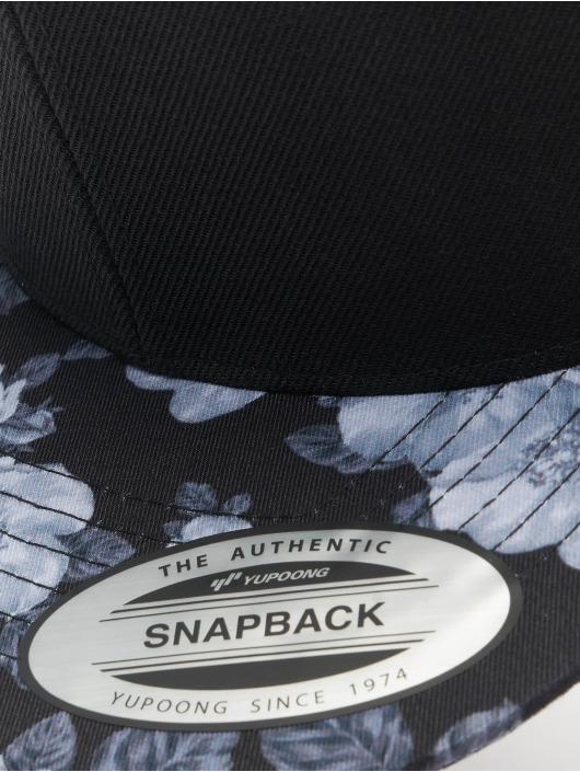 Flexfit Snapback Cap Roses black