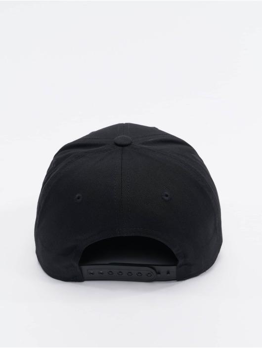 Flexfit Snapback Caps Curved Classic czarny