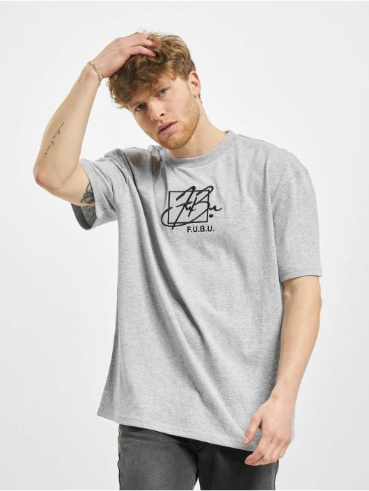 Fubu Camiseta Script gris