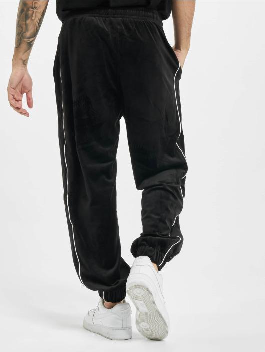 Fubu Spodnie do joggingu Fb Corporate Velours czarny