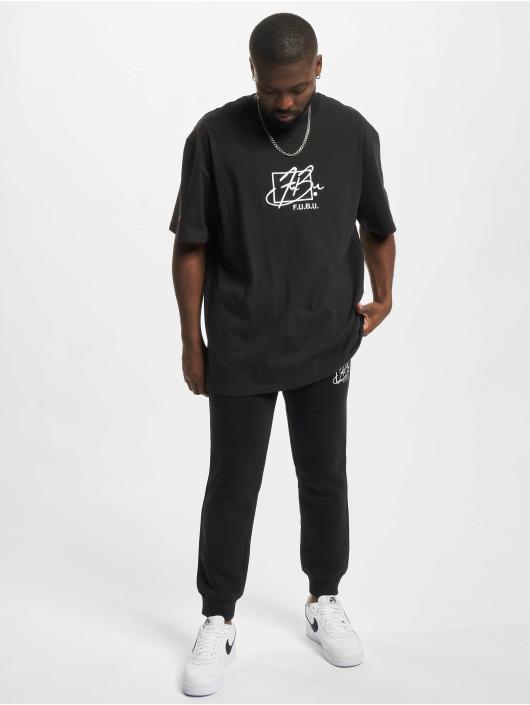 Fubu T-shirt Script Essential svart
