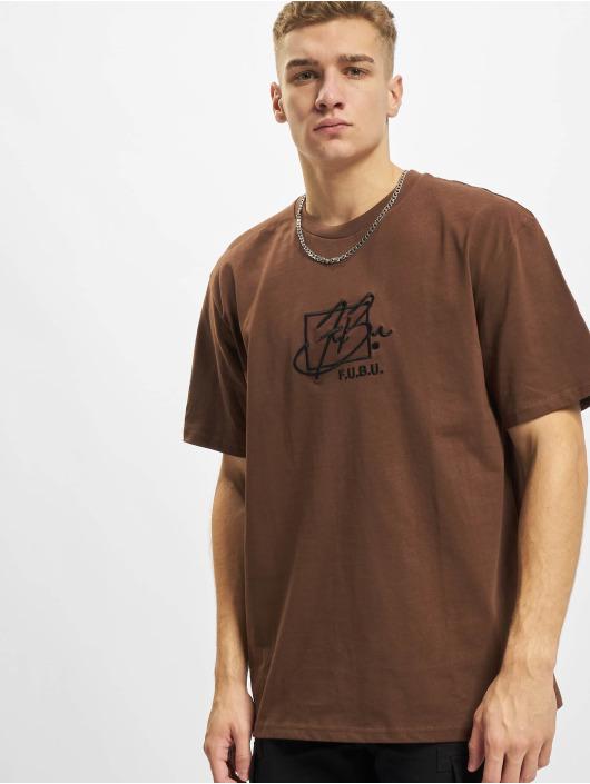 Fubu T-shirts Script Essential brun