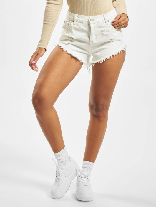 Glamorous Short Mailin white