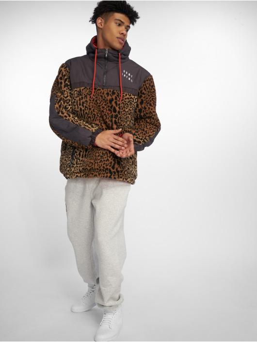 Grimey Wear Chaqueta de invierno GTO Heritage Anorak rojo