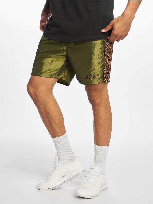 Grimey Wear Shorts Midnight Chameleon grün
