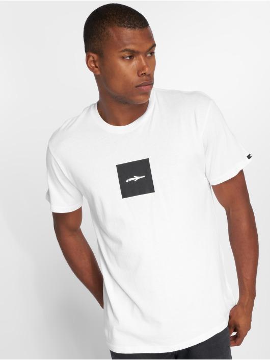 Illmatic T-paidat Logoism valkoinen