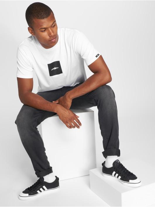 Illmatic T-skjorter Logoism hvit