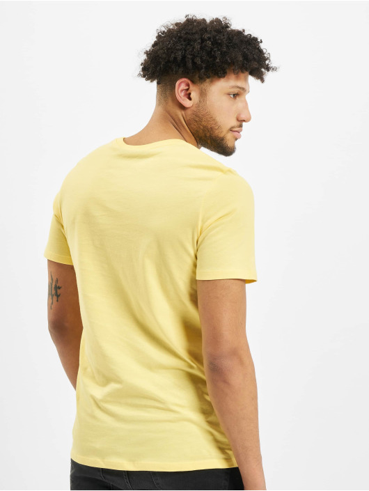 Jack & Jones T-skjorter jjeCorp gul