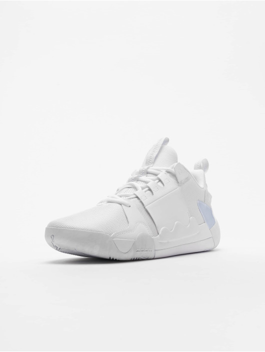 Jordan Baskets Zoom Zero Gravity blanc