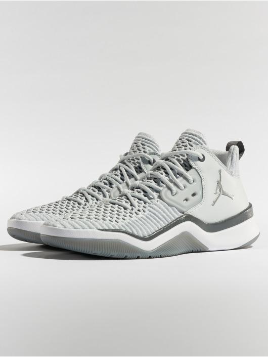 Jordan Baskets DNA LX gris