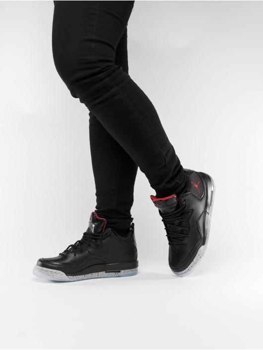 classic fit 52594 cbfdb Jordan Baskets Courtside 23 noir ...