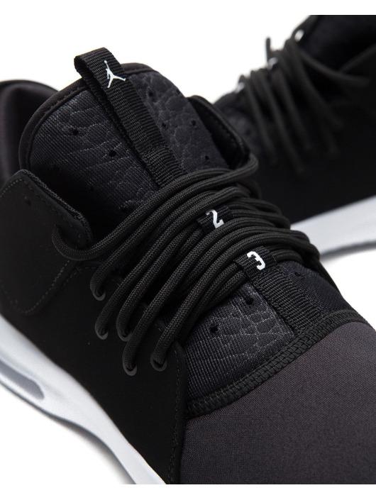 Jordan Baskets First Class noir