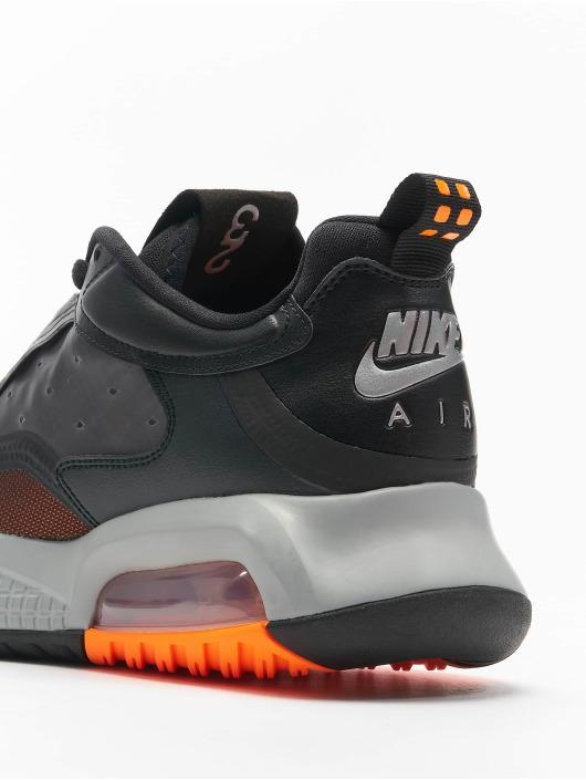Jordan Baskets Max 200 noir