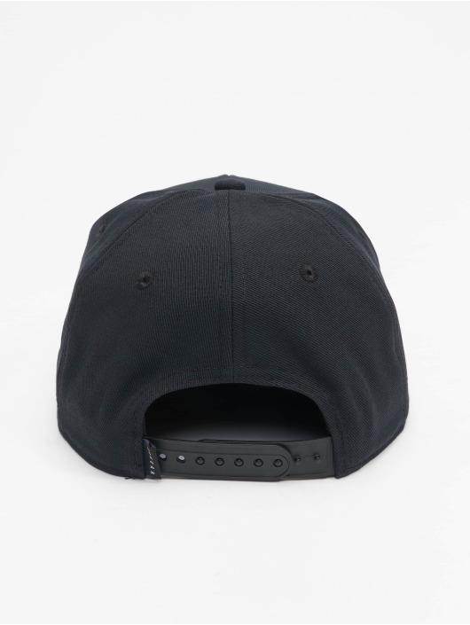 Jordan Snapback Caps Jan Cropped musta