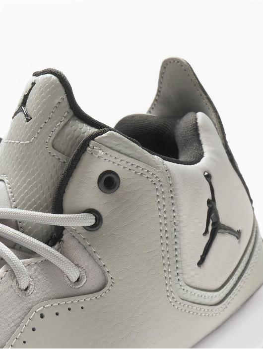 Jordan Sneaker Courtside 23 grau