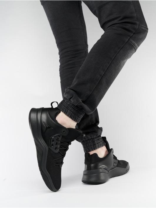 Jordan Sneaker DNA schwarz