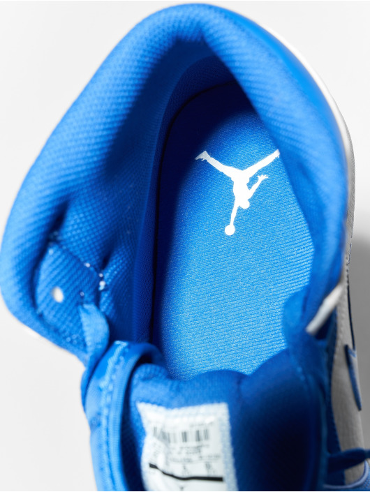 Jordan Snejkry Air Jordan 1 Mid bílý
