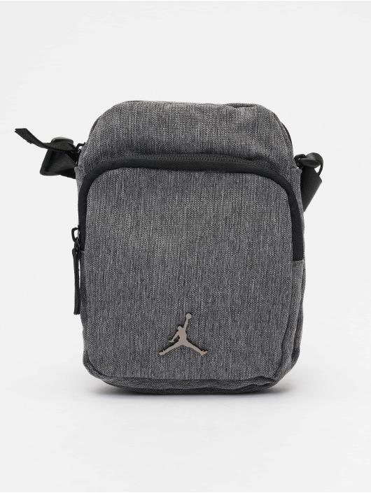 Jordan Vesker Airborne grå