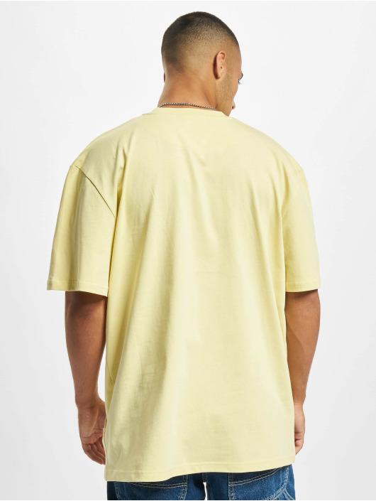 Karl Kani T-shirts Small Signature gul