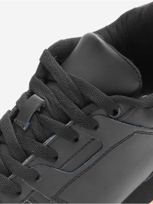 Lifted Sneaker Tim schwarz