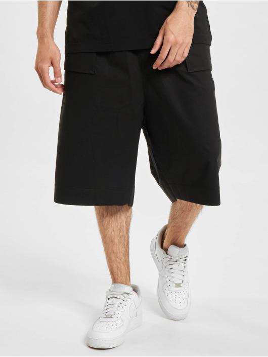 Marcelo Burlon Shorts Cross Patch Tech schwarz
