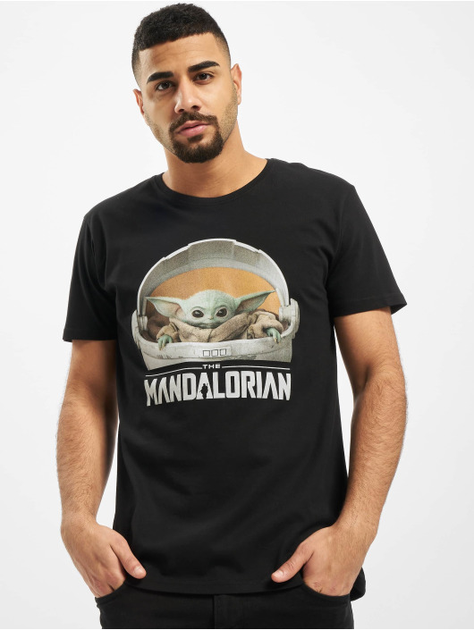 Merchcode T-Shirt Baby Yoda Mandalorian Logo schwarz