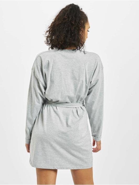 Missguided Šaty Belted T-Shirt Longsleeve šedá