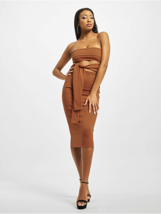 Missguided Šaty Cut Out Belted Bandeau hnedá