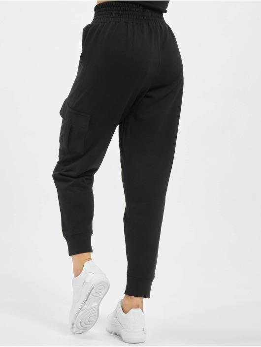 Missguided Cargo pants Premium Loopback čern