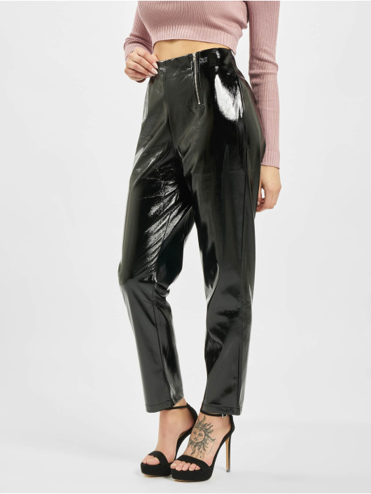 Missguided Chino Faux Leather High Shine Zip black