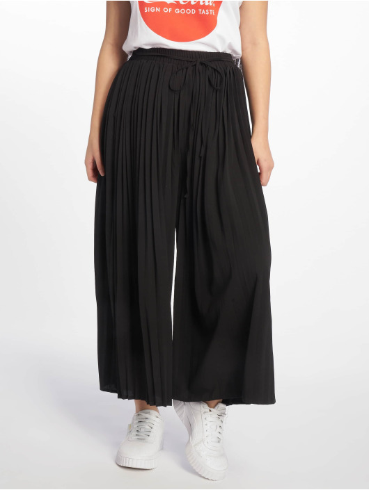 Missguided Chino Pleated schwarz