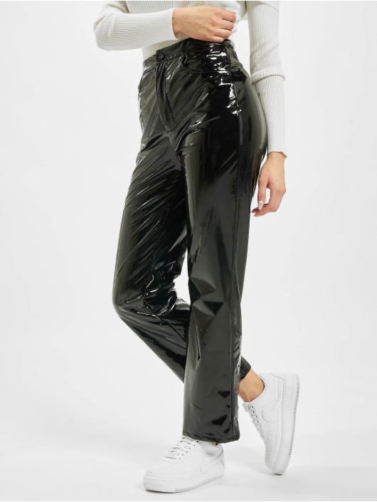 Missguided Pantalon chino Vinyl Cigartte noir