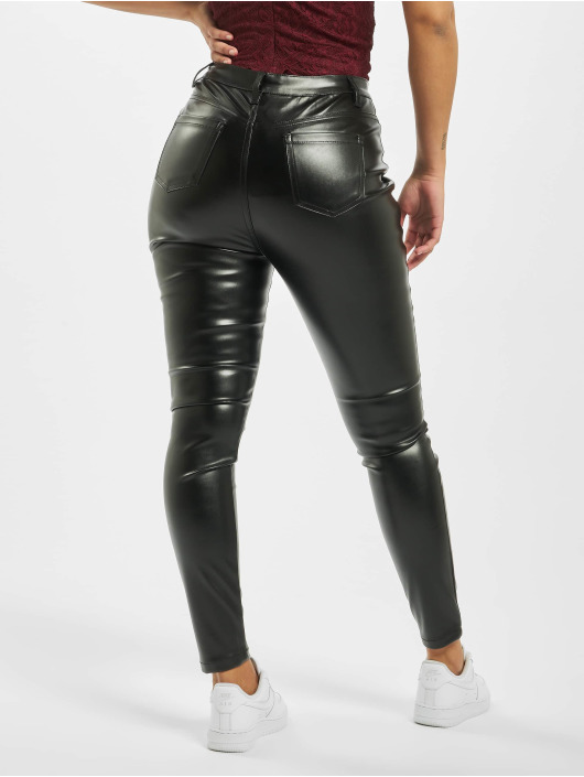 Missguided Pantalon chino Faux Leather noir