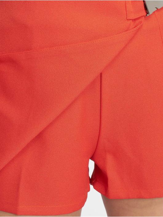 Missguided Pantalón cortos Seatbelt Buckle rojo