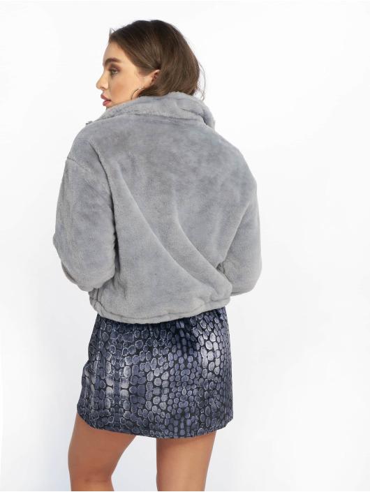 Missguided Prechodné vetrovky Faux Fur šedá
