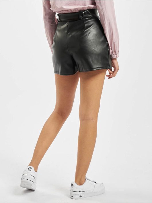 Missguided Shorts Short Faux Leather Belt Detail svart