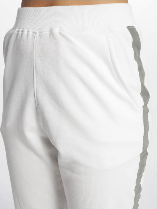 Missguided Spodnie do joggingu Reflective Detail Stripe bialy
