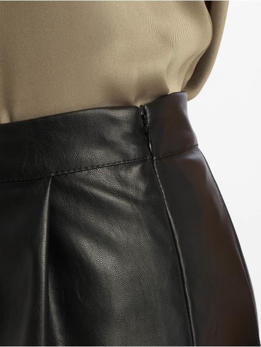 Missguided Szorty Faux Leather Turn Up czarny