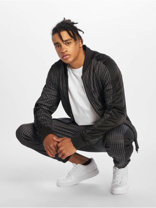 Mister Tee Демисезонная куртка Fuckyou черный