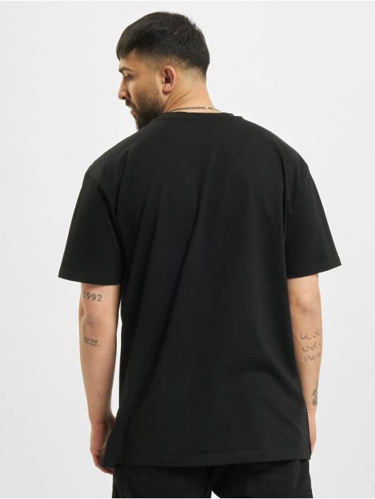 Mister Tee Camiseta Kindness No Weakness Oversize negro