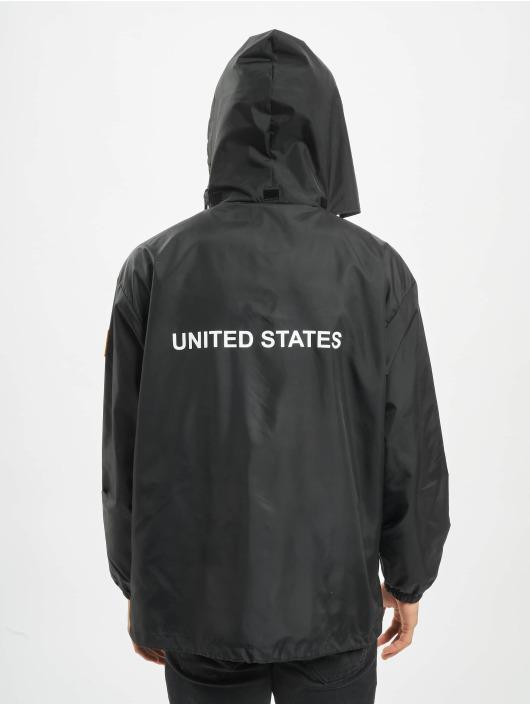 Mister Tee Chaqueta de entretiempo NASA Worm Logo Nylon negro
