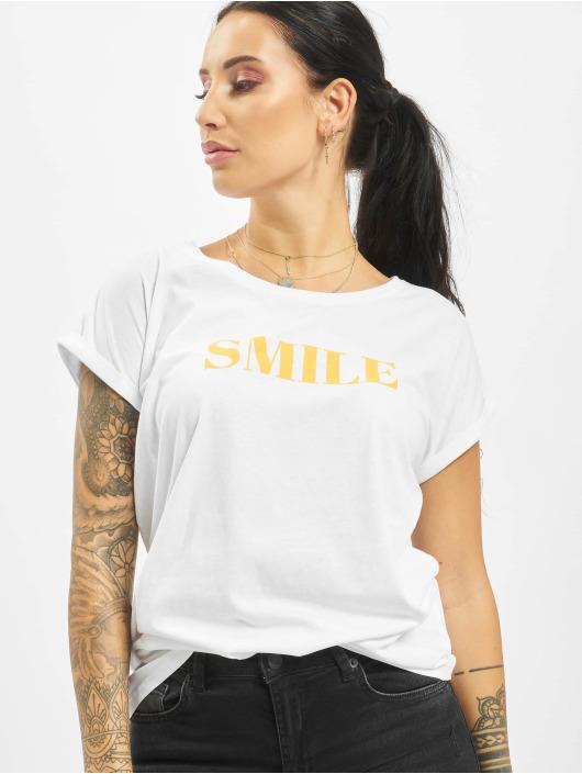 Mister Tee T-paidat Smile valkoinen