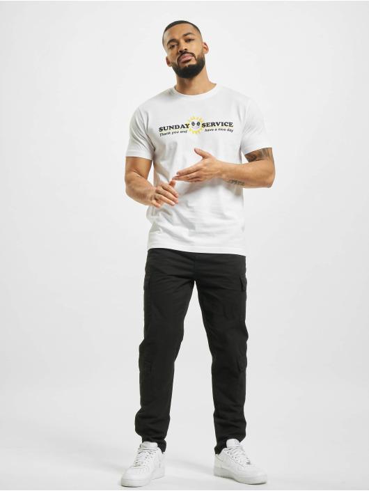 Mister Tee T-paidat Sunday Service valkoinen