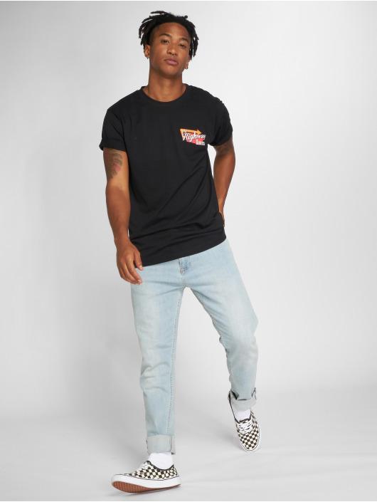 Mister Tee T-Shirt Highway Inn black