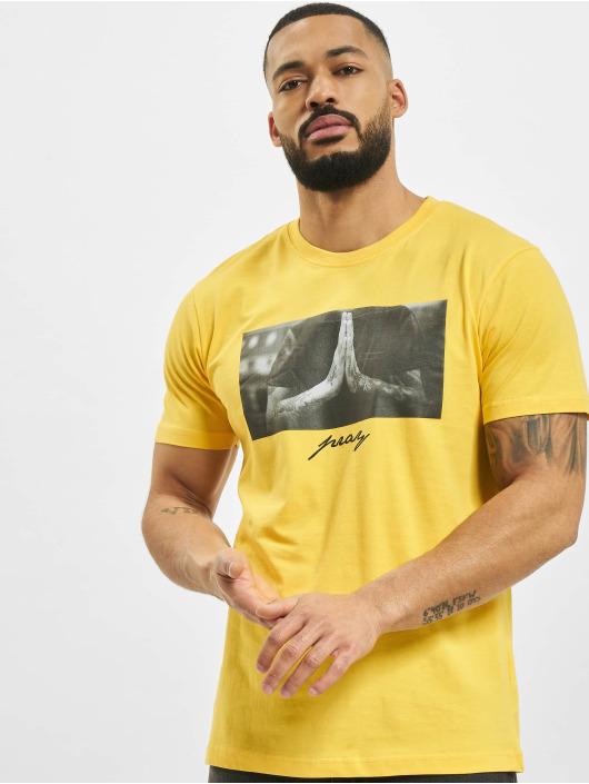 Mister Tee t-shirt Pray geel