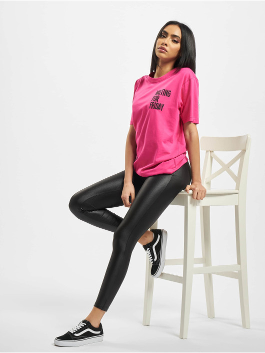 Mister Tee T-Shirt Ladies Waiting For Friday pink