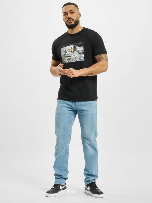 Mister Tee T-Shirt Pizza Moon Landing schwarz