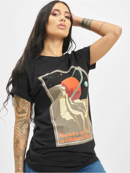 Mister Tee T-shirt Distant Planet svart