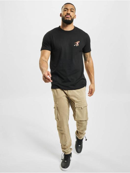 Mister Tee T-shirt Small Basketball Player svart